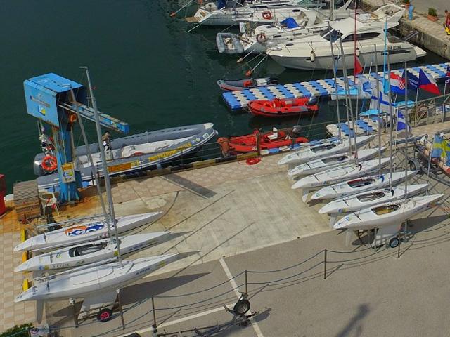 Immagine dall'alto della base nautica Liberi nel vento