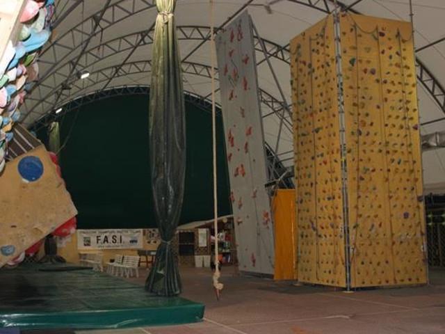 Veduta della palestra e della parete indoor