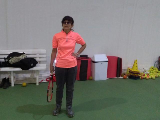Giocatrice non vedente durante un allenamento