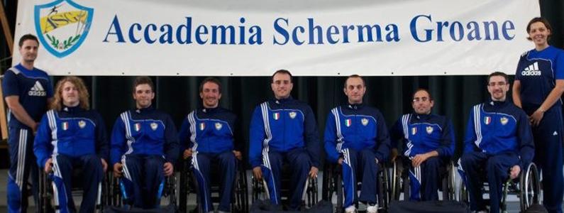 La squadra dell'Accademia Scherma Groane in una foto ufficiale