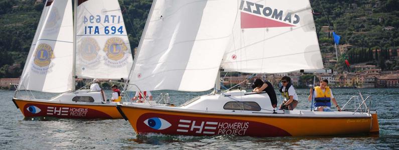 Barche Homerus Project sull'acqua
