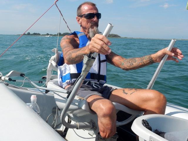 La vela accessibile grazie alla deriva Skud 18