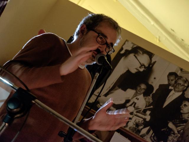 Alan Zamboni durante una conferenza
