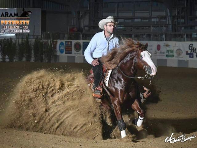 Francesco Schippa durante una gara di reining